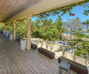 Ilhabela - Casa Resort - Pé na areia