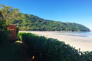 Praia Baleia - Condomínio CD 25 - Pé na Areia