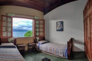 Ilhabela - Condomínio a 500m da Vila -
